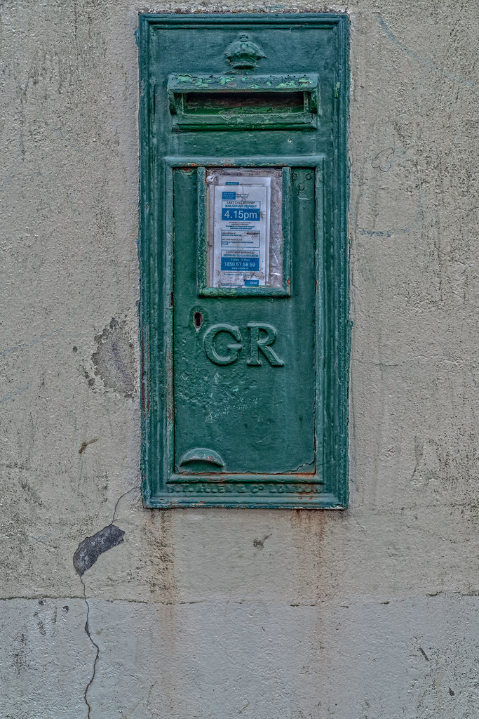Post Box Wall Type G V R by W&T Allen London [11 Morrisons Quay In Cork]-133787
