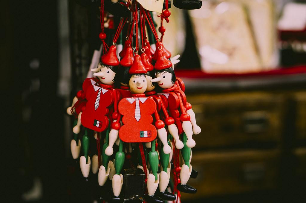 Imagen gratis de muñecos rojos móviles de madera