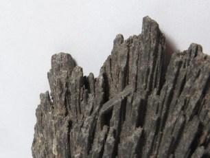 Mineral: Cianita Negra