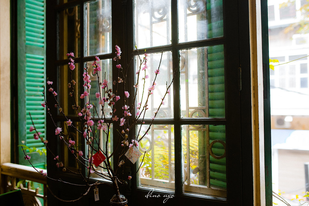 Tet by the window | Khung cửa Tết