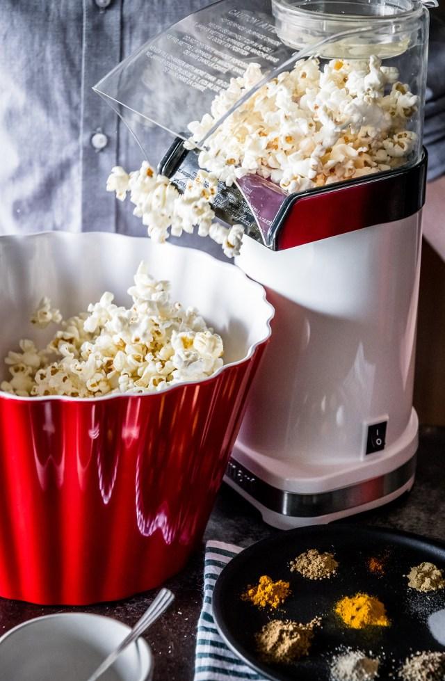 it's popcorn time!