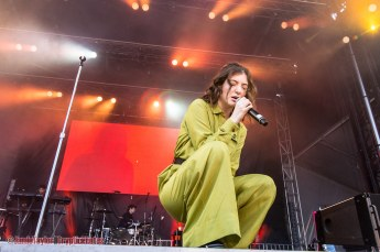 Lorde at iHeartRadio Beach Ball