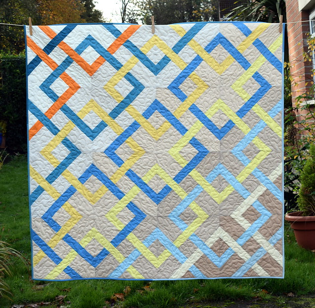 Crossed Paths Quilt (Quilt Now Jan18)