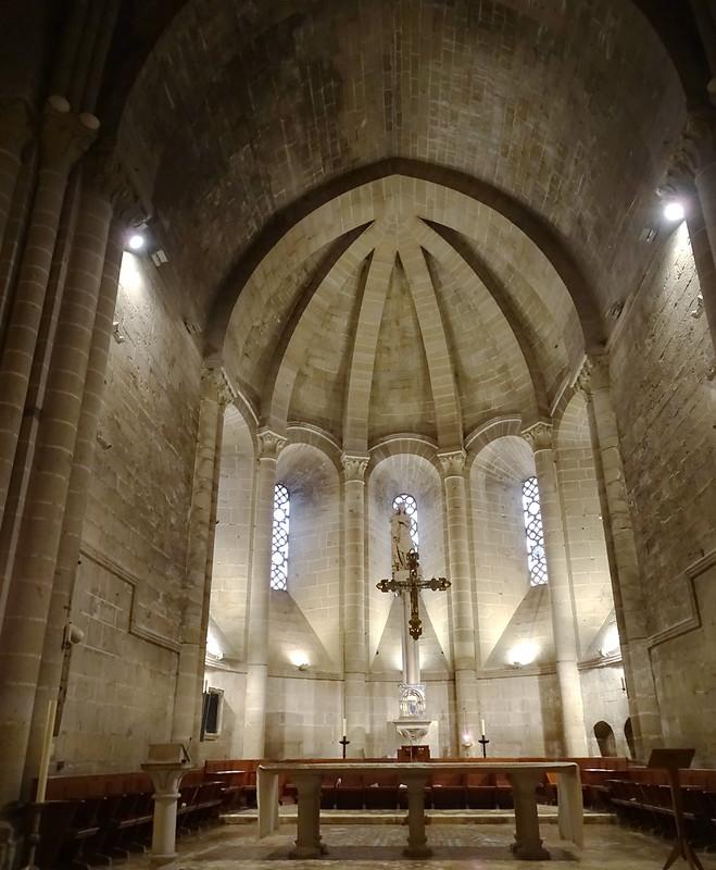 altar mayor Iglesia Cisterciense Monasterio de Santa Maria la Real de La Oliva Carcastillo Navarra 05