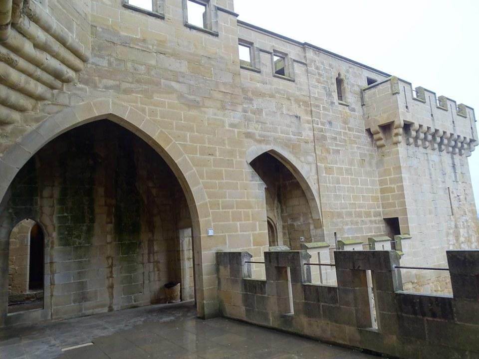 Olite Torre del Aljibe Palacio Real o Castillo Navarra 24