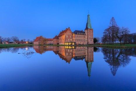 Blue hour Castle Raesfeld (D)