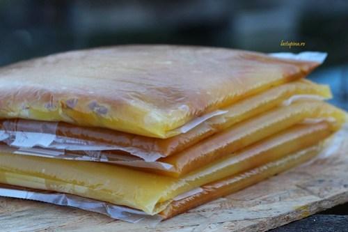 Hranire cu miere cristalizata