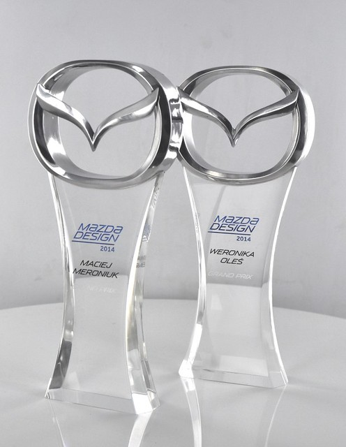 Statuetka akryl i polerowane aluminium, nagroda w konkursie mazdy