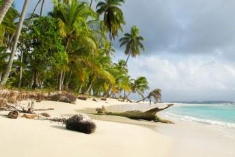 Op de iets grotere eilanden is elke foto een plaatje.
