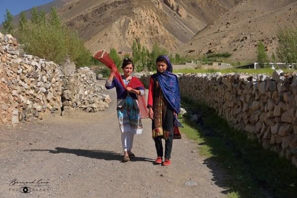 Jeunes filles Wakhi de Zoodkun, village de la vallée de Chapursan 06/08/2018 © Bernard Grua