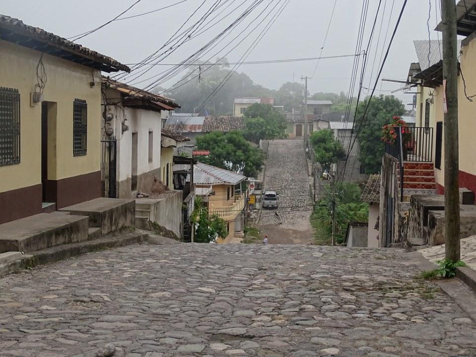calle y casas municipio Copan Ruinas Honduras 14