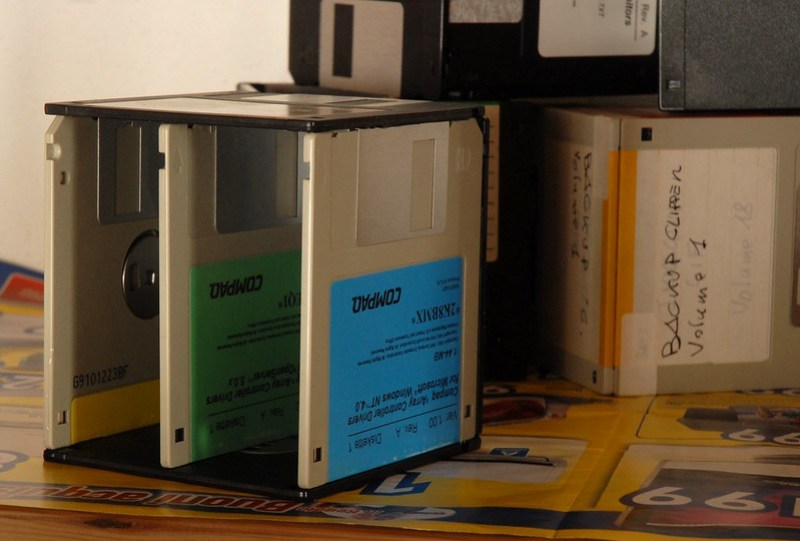 Portamatite di floppy / Floppy pen holder 5/5