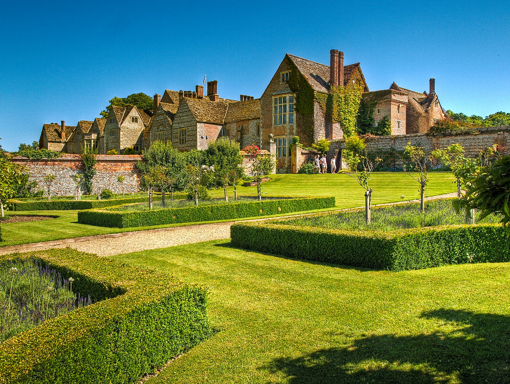 The Historic Gardens Of The Elizabethan Littlecote House H