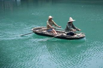 Fischerboot vor Cat Ba