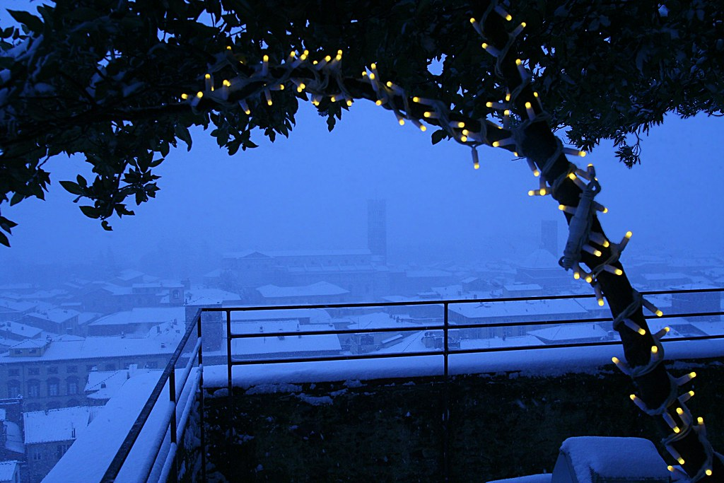 Snow over Lucca