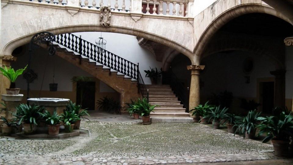 Casa Can Oleza Patio Palma de Mallorca 16