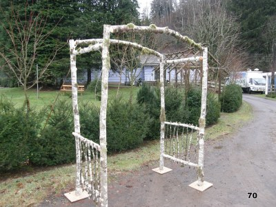 Natural pergola with curved top