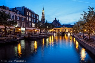 Leiden during blue hour / Botermarkt / Oude Rijn