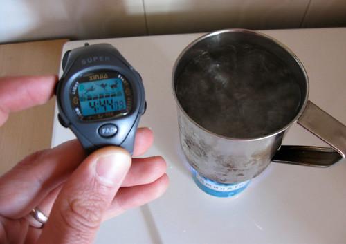 Boils a mug in under 5 minutes