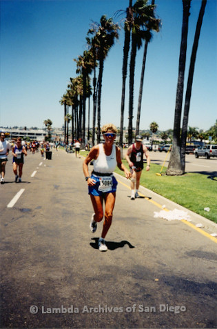 P263.002m.r.t Rock n Roll Marathon San Diego: Woman running in the marathon