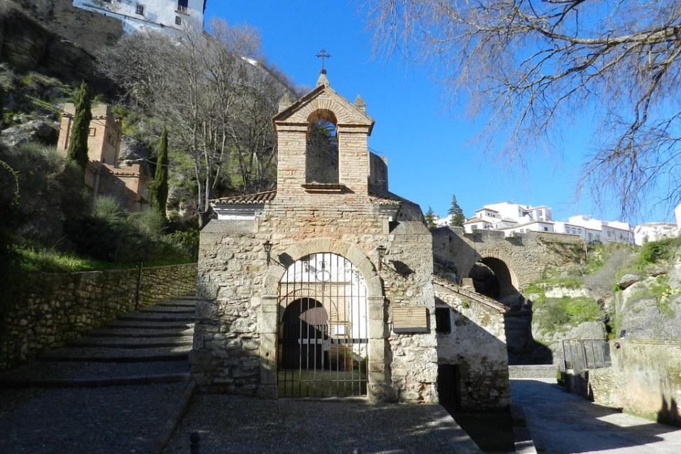 Puente viejo y Ermita de San Miguel de Santa Cruz Ronda Malaga 01