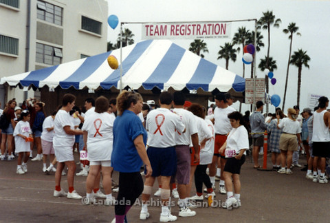 "P240.039m.r.t The Center at AIDS Walk 1994: Walkers lined up at ""Team Registration Booth"