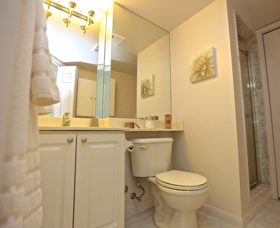330 Adelaide Street East # 507: Ensuite Bathroom
