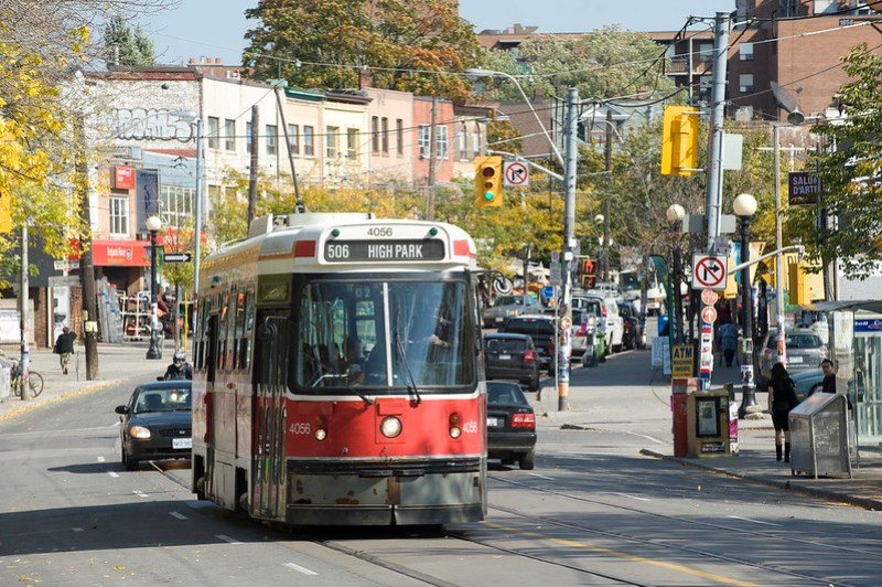 Toronto: College Street