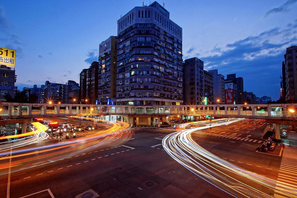 城市×城市 & 新生×和平   冬天好天氣   阿 ken Huang   Flickr