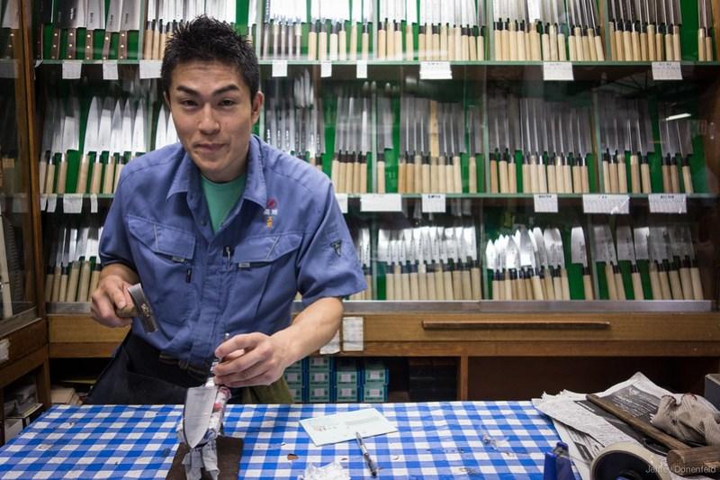 2013-06-24 Tsujiki Fish Market - DSC06427-FullWM