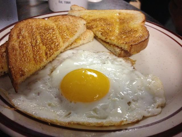 Sunny Side Up Eggs White Toast Breakfast Waveland Cafe De Moines Food