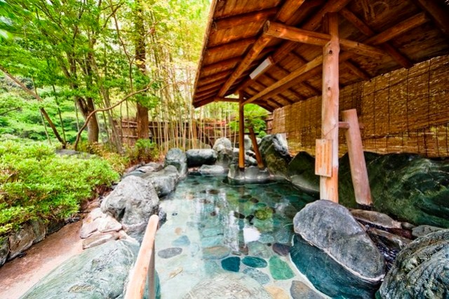 Nishiyama Onsen Keiunkan | Patrick Imbardelli | Read more: https://patrickimbardelli.wordpress.com/2016/10/18/ageless-the-oldest-hotels-in-the-world/