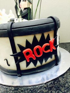 rock birthday cake close up