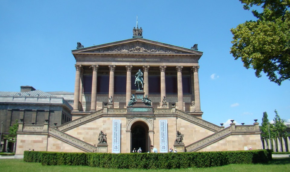 edificio Antigua Galeria Nacional Isla de los Museos Berlin Patrimonio de la Humanidad UNESCO Alemania 02