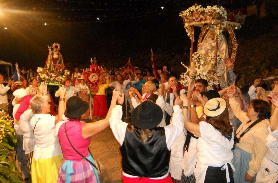 Procesion Virgen Romeria Virgen Cuevecillas Agaete 20 Isla de Gran Canaria