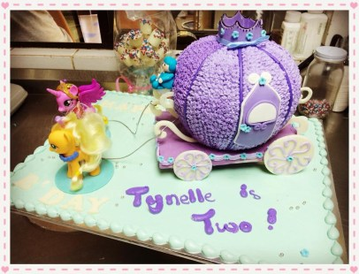 Prncess theme birthday cake