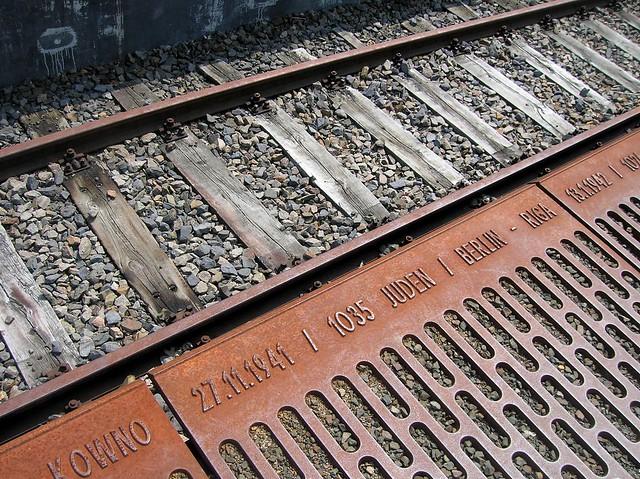 Platform 17 Memorial by bryandkeith on flickr