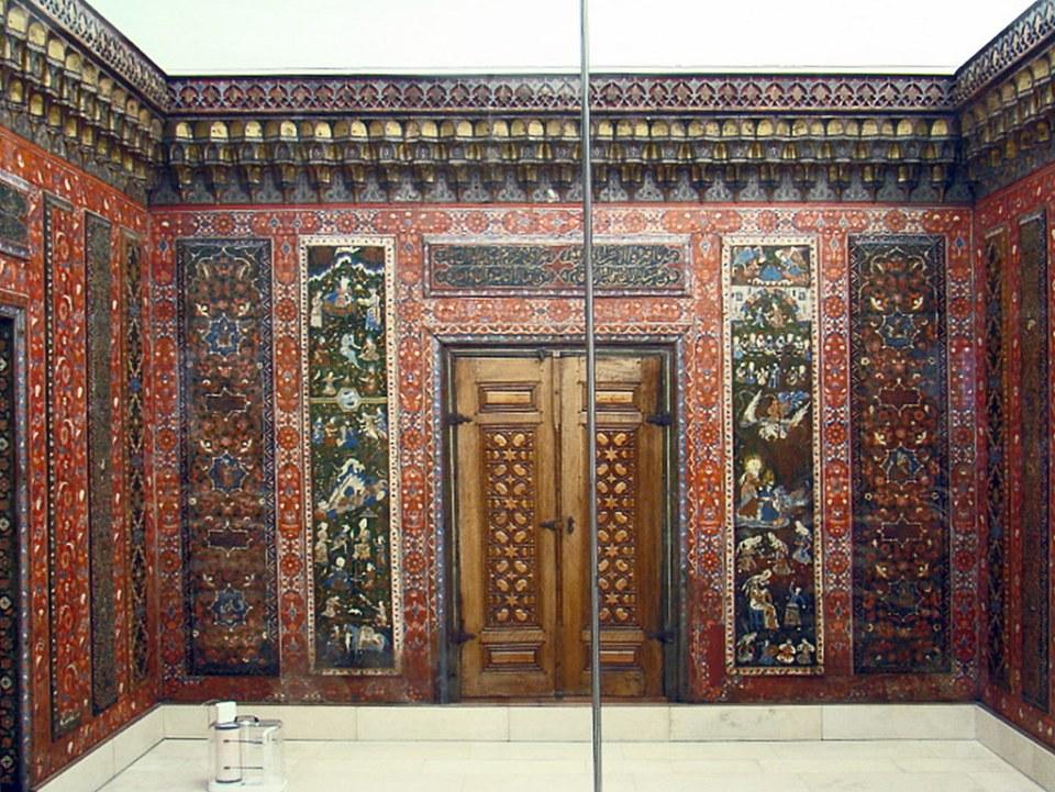 Sala de Alepo casa privada Wakīl en Siria siglo XVII Museo de Arte Islámico Museo Pergamo Berlin Alemania 01