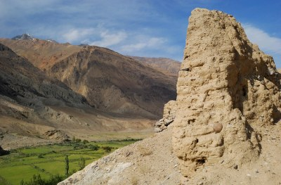 Remains of Qahqaha (Kaahka), fortress with a view over Panj River on Afghan Wakhan Supposed to be built by Kushan empire BC © Bernard Grua