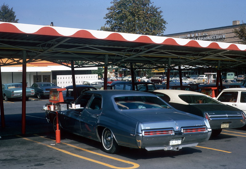 Hot Shoppes drive-in diner, Washington, DC (1969)