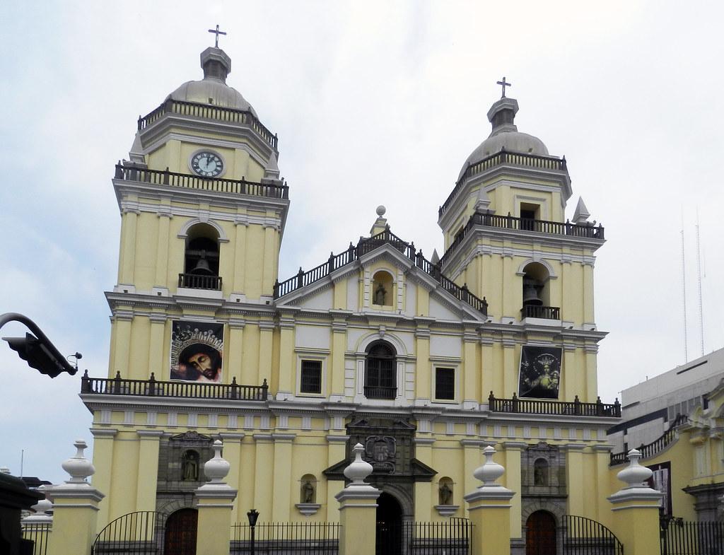 Peru Lima exterior Basilica y convento de San Pedro 01
