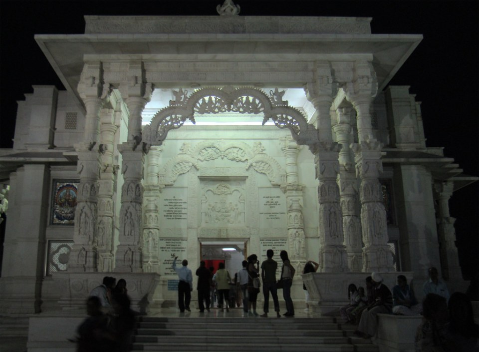 esculturas y relieves de marmol de portada exterior Templo Birla Mandir Jaipur India 15