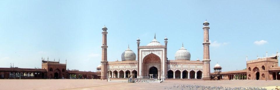 Delhi fachada de Mezquita del viernes Jama Masjid India panoramica 07