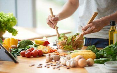 7 Makanan Ini Bisa Turunkan Berat Badan Secara Alami