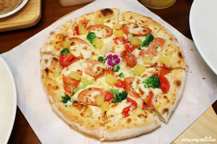 32896467837 0086e8ee61 b - 熱血採訪 路義思小館,學區價格卻有超高水準,大推邪惡牽絲手工披薩,吃過必回訪