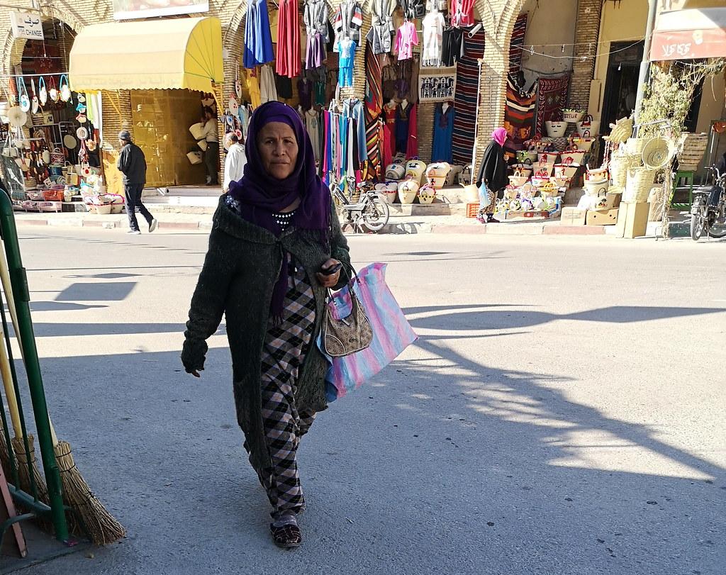 mujer mayor bereber su gente Tozeur Tunez 08
