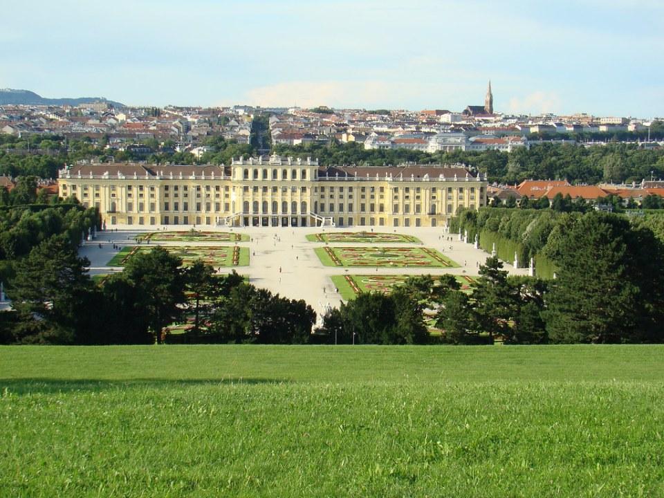 El Parterre jardines desde Fuente de Neptuno y Palacio de Schönbrunn Viena Austria Patrimonio de la Humanidad Unesco 34