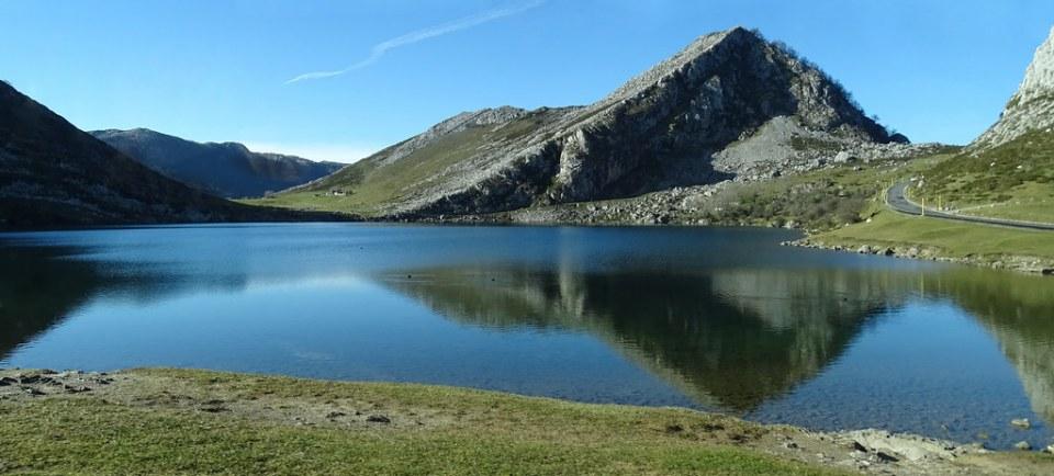 Lago Enol Covadonga Parque Nacional Picos de Europa Asturias 30