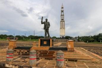 In de hoofdstad Lilongwe is echt geen reet te zien of beleven. Dit onafhankelijkheidsmonument komt nog het dichtst bij een trekpleister.
