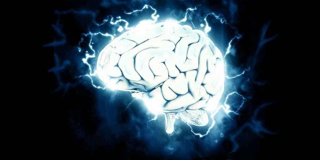 implant-cerveau-transforme-en-mot